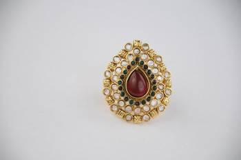 Traditional Oval Kundan Ring