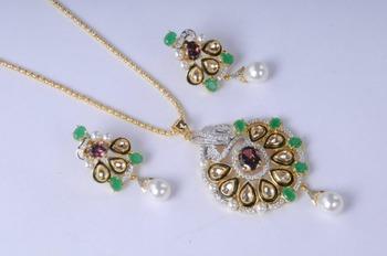 Stunning Gold Plated Diamond Pendant Set
