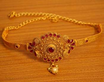 Ruby Matt Gold Look Pasiley Pattern Bajuband