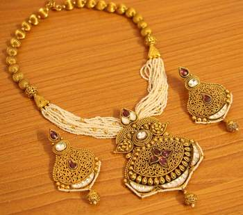 Kundan Polki Gold Look Antique Fine Necklace Set