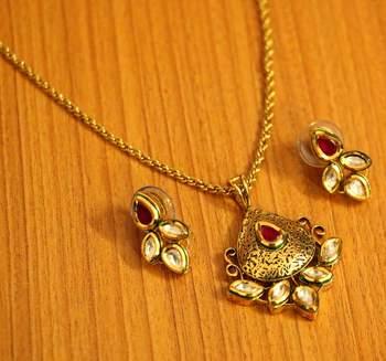 Ruby Antique Gold Look Kundan Meenakari Pendant Set