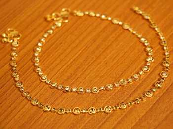 Round Shaped Zircon Studded Gold Plated Anklets
