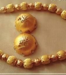 Buy Gold diamond necklace-sets