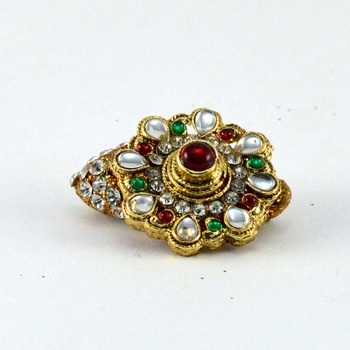 vidhya kangan amazzing brooch