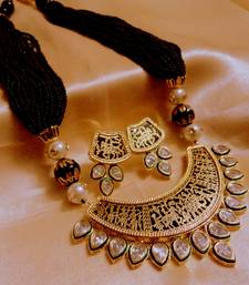 kundan thewa black necklace
