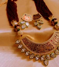 kundan thewa mahroon necklace