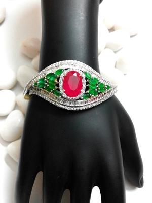 Stylish Ruby Emerald Braclet With Americian Diamond