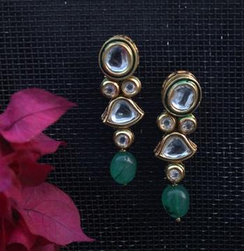 Kundan Studs With Green Oynx