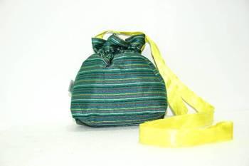 Green Threaded Multiple Strips Side Cling