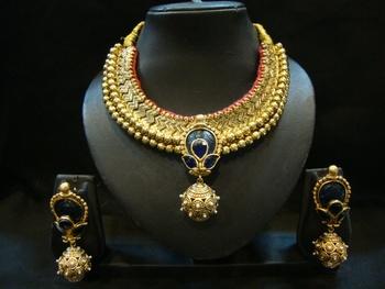 Design no. 8B.1712....Rs. 5800