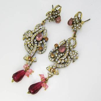 Victorian Floral Earring Pearl Pink