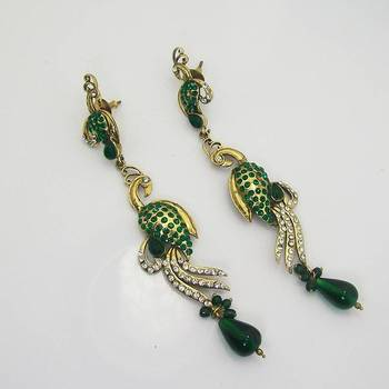 Victorian Slim Peacock Earring Green