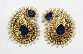 ANTIQUE GOLD PLATED WHITE N BLUE PEARLS TOPS