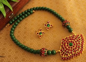 Beautiful Handmade Gold Plated Kemp Green Temple Necklace Set