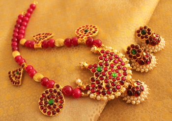 Beautiful Handmade Pink Beads Kemp Green Necklace Set