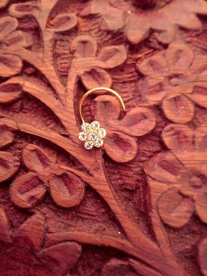 9 Diamond Designer Floral Nose Pin