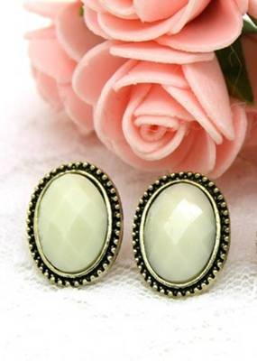 Traditional White Oval Stud Earrings