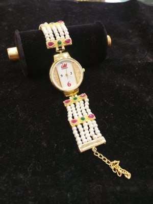 Multicolor pearl watches