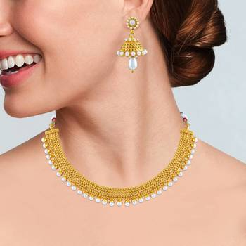 Alluring Gold Plated Choker Style Necklace Set For Women