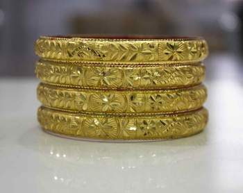 Guarantee Gold Dyed Bracelets With Floral Design