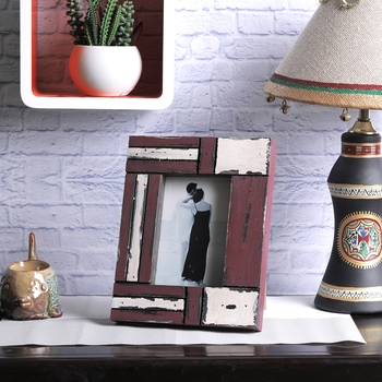 White And Red Matte Contour Wooden Picture Frame For Mother'S Day