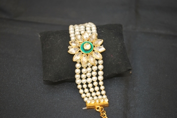 Multicolor pearl bracelets