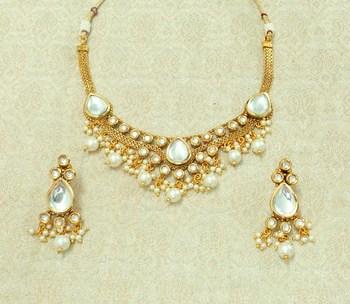 White kundan necklaces