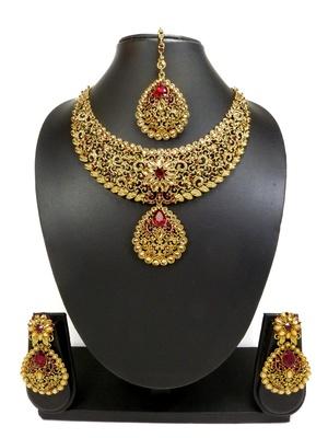 Designer Maroon AD Zircon Necklace Set With Maang Tikka