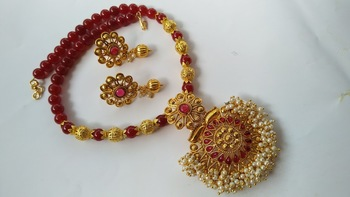 Pink Handmade Beaded Necklace Set