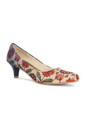 Women's Multi Color Croslite Sole Material Ballerinas Low Heel Sandal