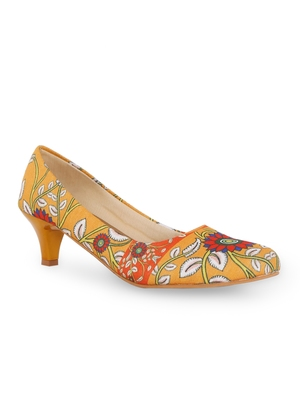 Women's orange Croslite Sole Material Ballerinas Low Heel Sandal