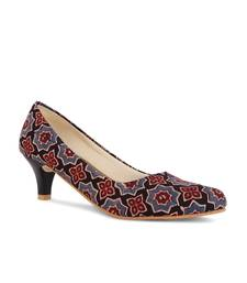 Women's Black Croslite Sole Material Ballerinas Low Heel Sandal