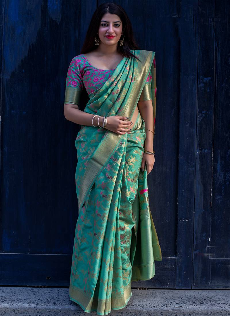 Green woven banarasi saree with blouse Monjolika 2639944