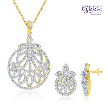 Sukkhi Enchanting Gold and Rodium plated
