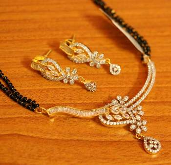 Diamond Look Leaf Pattern Gold Plated Mangalsutra