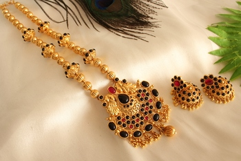 Beautiful Antique Black Red Peacock Necklace Set