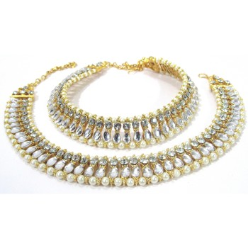 Golden pear shape kundan pearl anklet