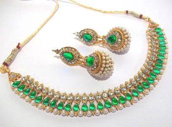 Golden green Diamond pearl Gota necklace set