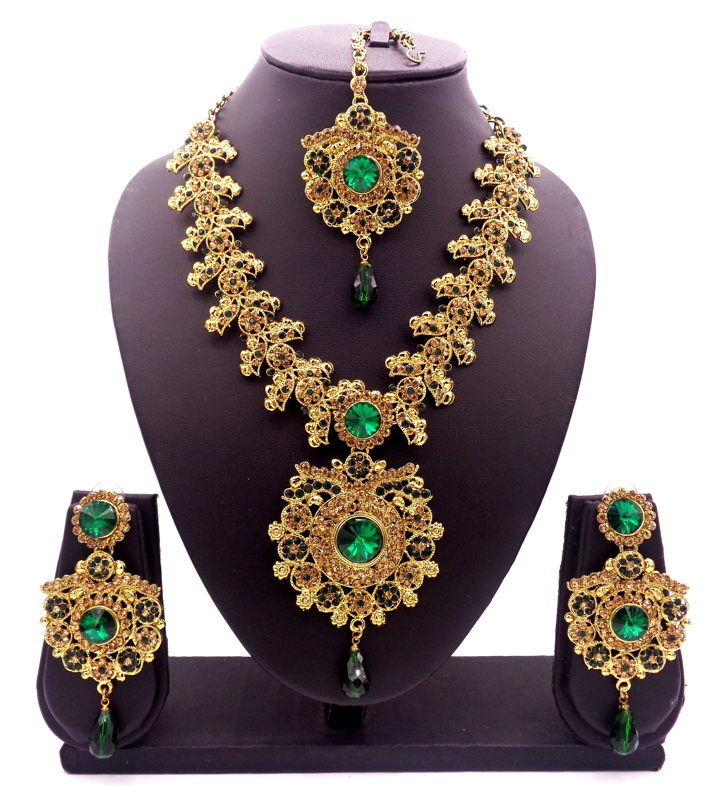 ec8c6f64932 Green Jewellery – Buy Green Colour Jewellery Sets Online For Women   Mirraw