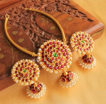 Beautiful Round Pendant Jhumkka Temple Jewel Necklace Set