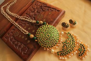 Beautiful Green Double Pendant Temple Jewel Long Necklace Set