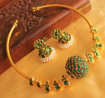 Beautiful Green Temple Mango Necklace Set