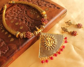 Beautiful Maroon Ganesha Necklace Set