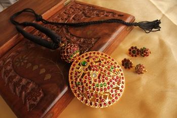 Beautiful Temple Pendant Black Threaded Necklace Set