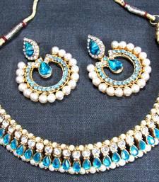 Sky blue stone tilak polki necklace set