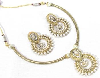 Golden kada polki pendant necklace set