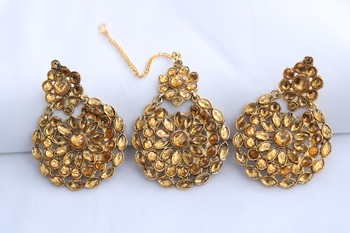 Reeti Fashions - Golden round motif stone studded earrings with maang tikka set for women