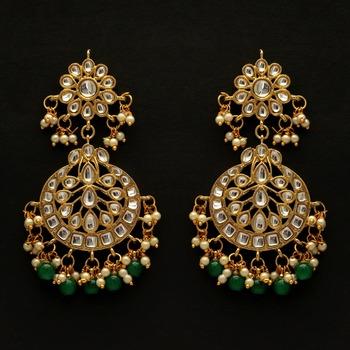 Green color dangle kundan earrings