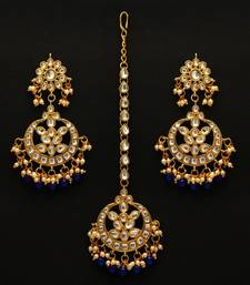 Blue color imitation peral kundan earrings with maang tikka