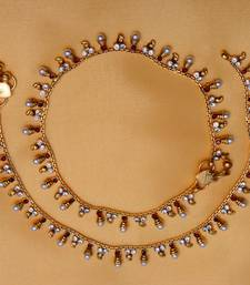 Buy Gold plated maroon stone and white pearl anklets anklet online